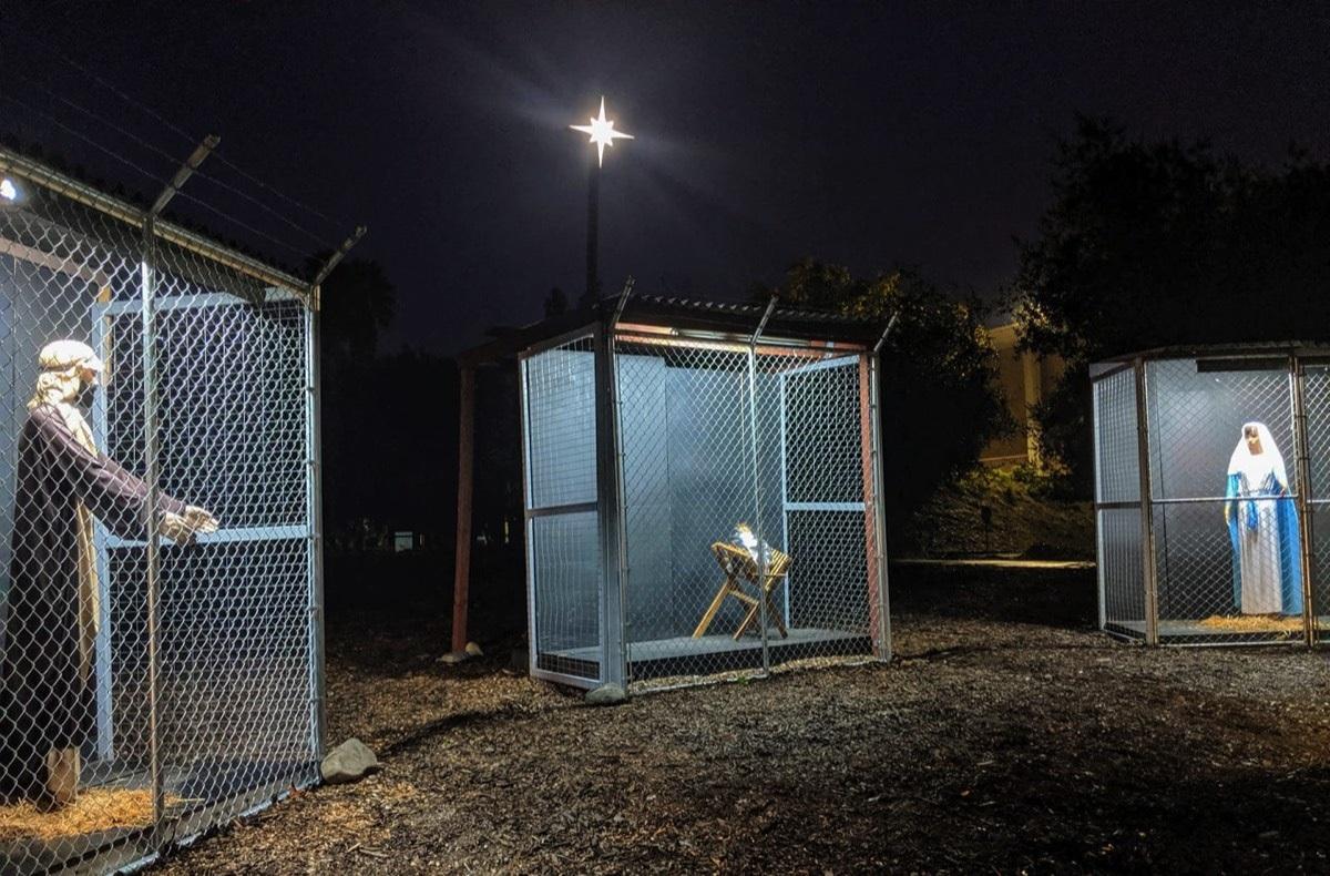 Sacra famiglia in gabbia in California - Ultima Ora